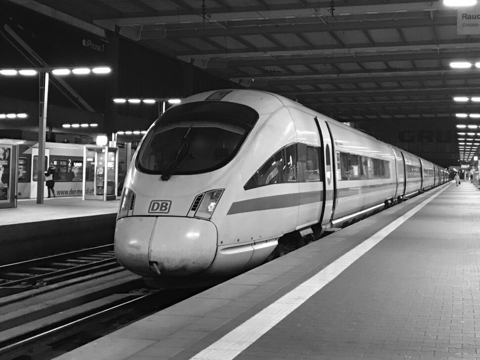 ICE im Bahnhof München
